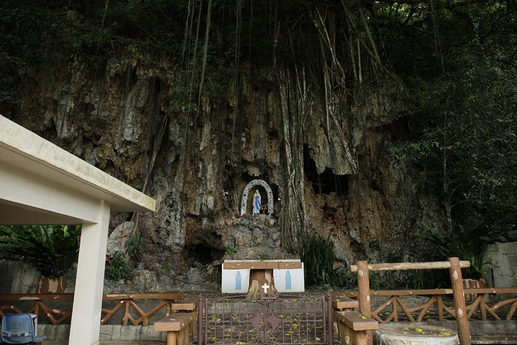 聖母マリアの祠 (Our Lady of Lourdes Shrine)