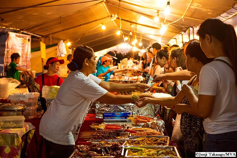 ストリートマーケット (Street Market)